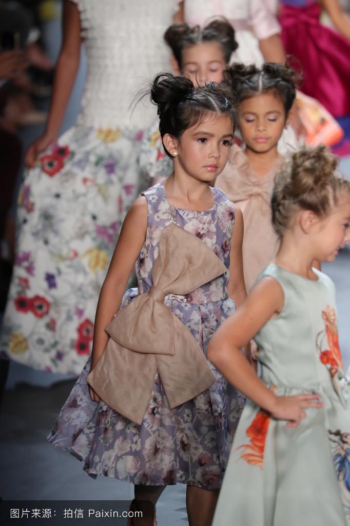 儿童,长袍,流行的,人,孩子们,时尚,优雅的,年轻的,小的,连衣裙,服装图片