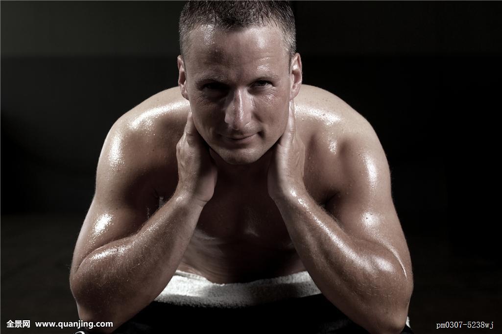 肌肉_运动,肌肉,紧,穷,男人,满意,休息,放松,恢复,关闭,出汗,疲惫,健壮