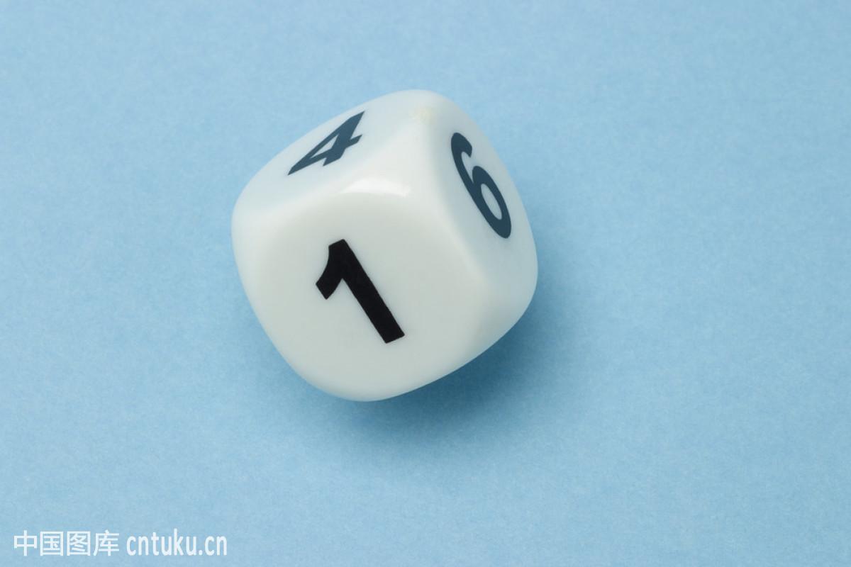 骰子五个六斋什么意思_白色骰子