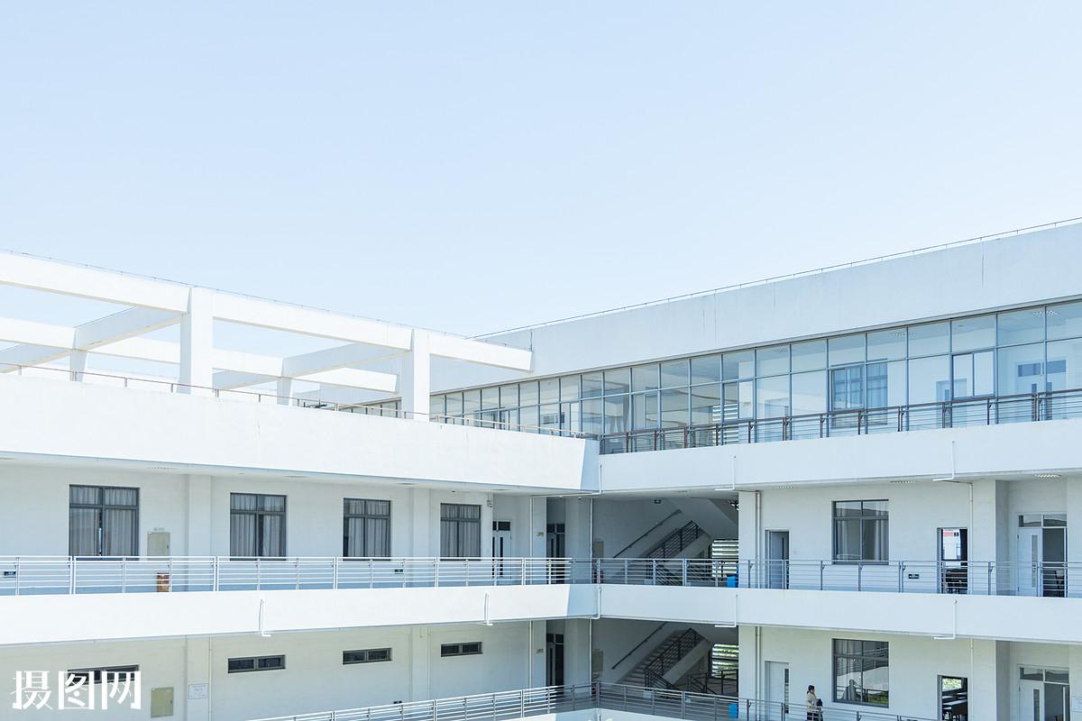 高中�yo�z+���_校园,校园风,名校,大学,教室,教学楼,班级,高中,教育,青春,阳光明媚