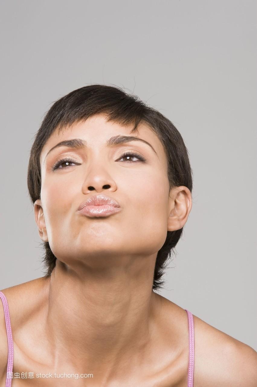 30岁女人适合留什么发型_发型设计图片