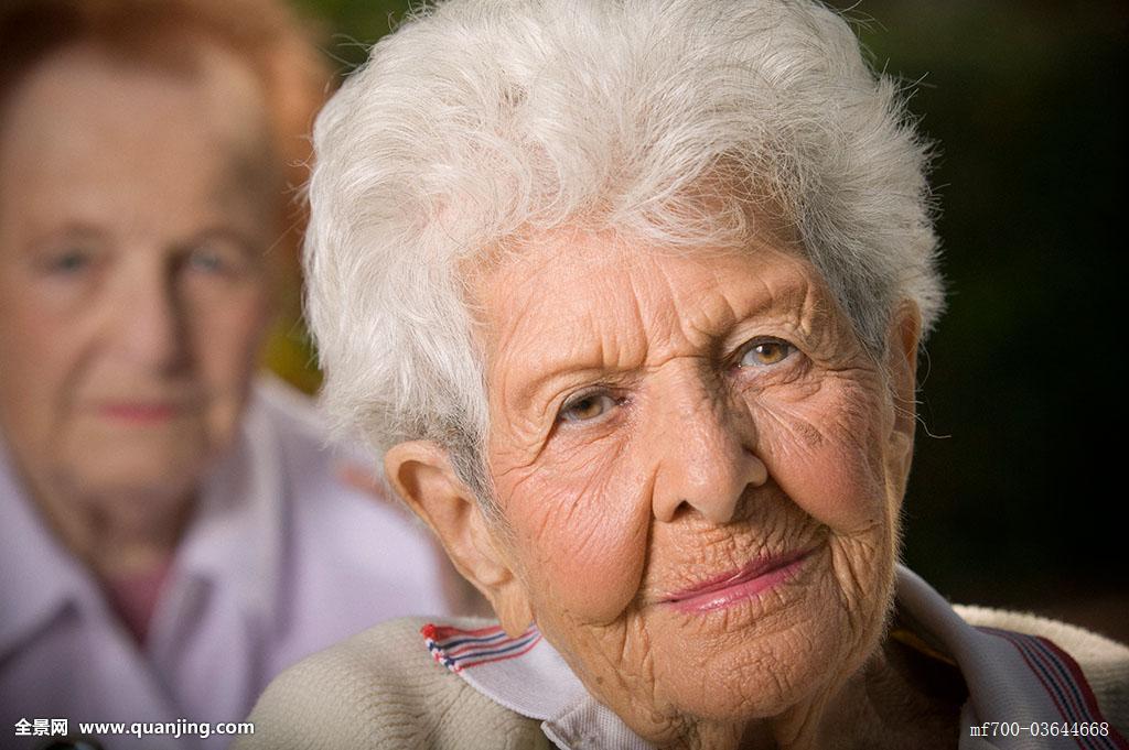 老年白发发型女图片展示图片