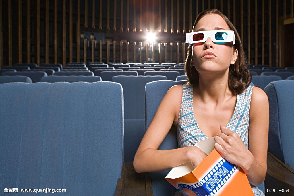 中国电影第一页成人_女人,一个,电影院