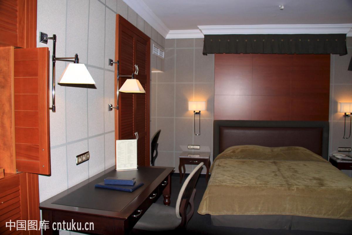 沙发,设计,舒服,睡觉,卧室,衣服,枕头,通路,墙,电视,家居装饰品,房间