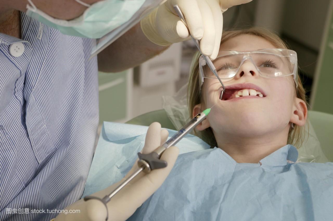农村女生打针囹�a_科技医疗,快乐童年,疗法,口,女人,悲哀,医疗保健,注射器,牙医,注射