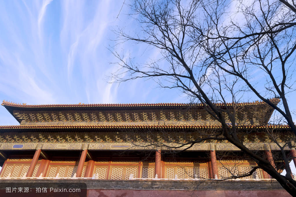 晴空万里的中国皇宫图片