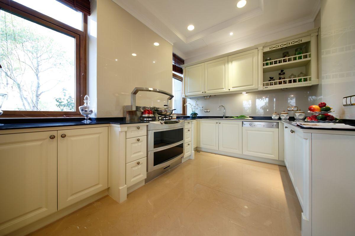 欧式厨房,别墅厨房,样板房厨房间,实景橱柜,欧式橱柜,现代风格,现代图片