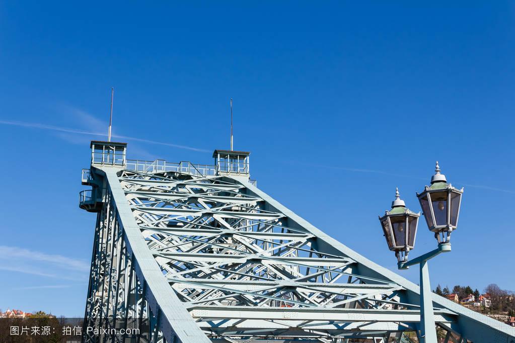 ����4_蓝色奇迹�%a4�桥