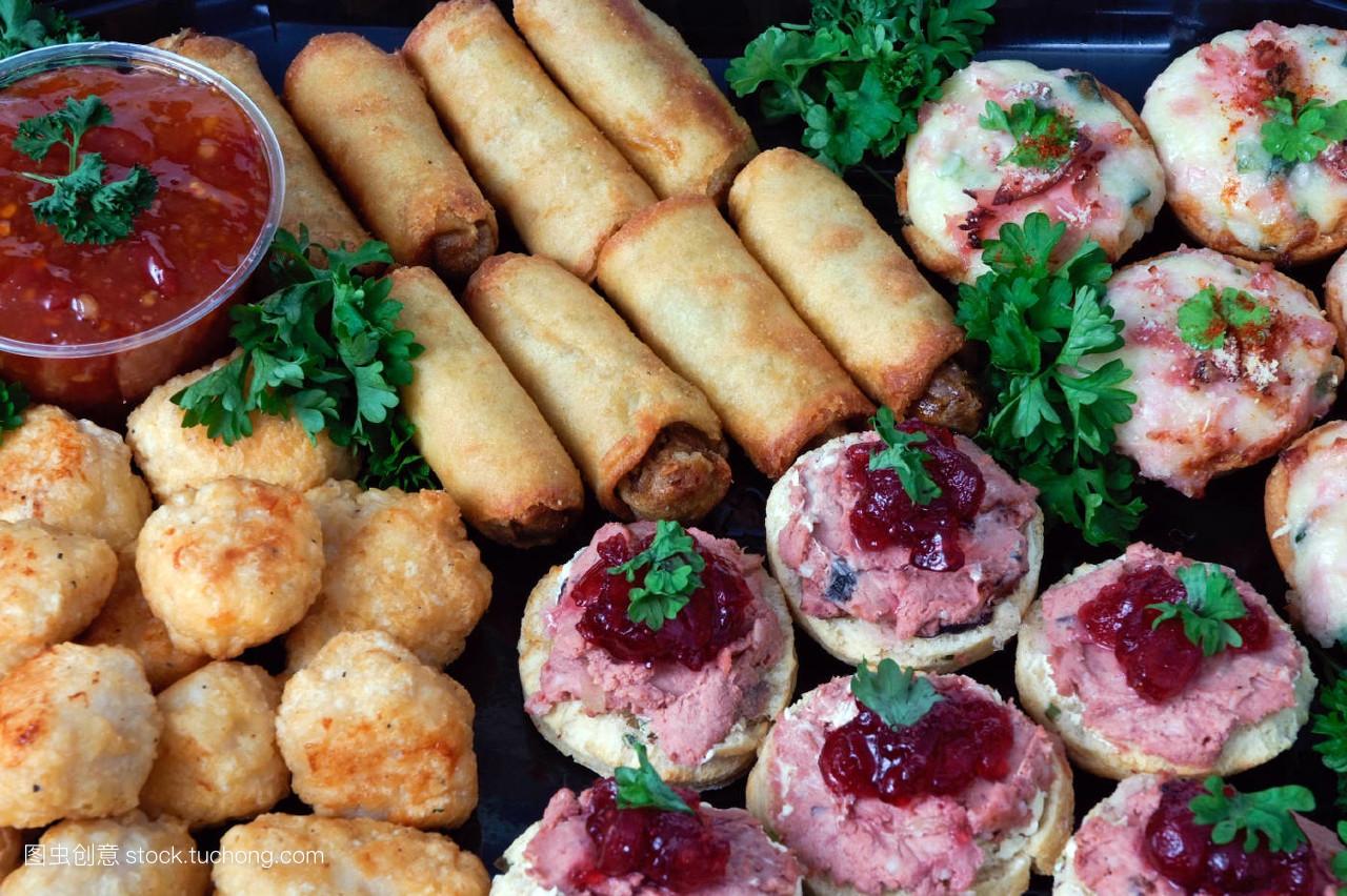 食品�zl�9��9�+_面包,食品,盘子,餐,三明治,午餐,准备,片状,排列,孤立,无人,清新