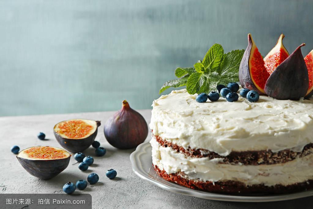 纯奶油蛋糕_美味的奶油蛋糕