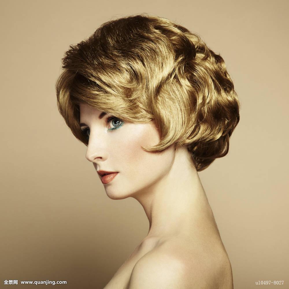 五十岁女人的优雅发型-优雅发型|优雅端庄大气的发型|编织优雅发型|女图片