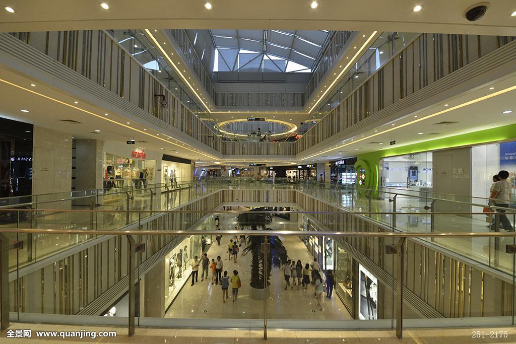 中庭,多层,内景,走廊,橱窗,商店,护栏,玻璃,灯光,华丽,现代,高档图片
