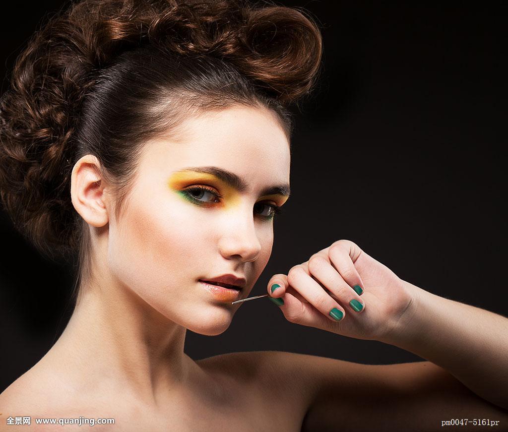 眼睛,留白,欧洲,白人,清新,看,瞥视,风景,偷窥,成年,完美,时髦,发型图片