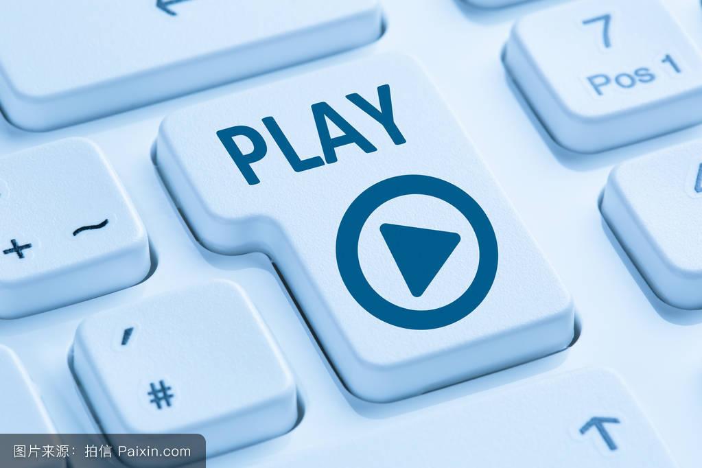 电脑维仺/k�.�_按下播放按钮听音乐电影互联网蓝色电脑k