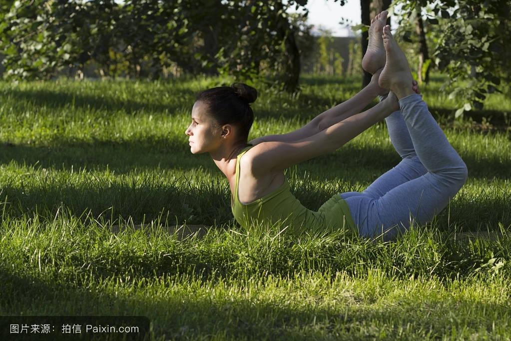 力量,女人,体操,实践,冥想,健身,瑜伽,身体,饮食,体表护理,运动,健康图片
