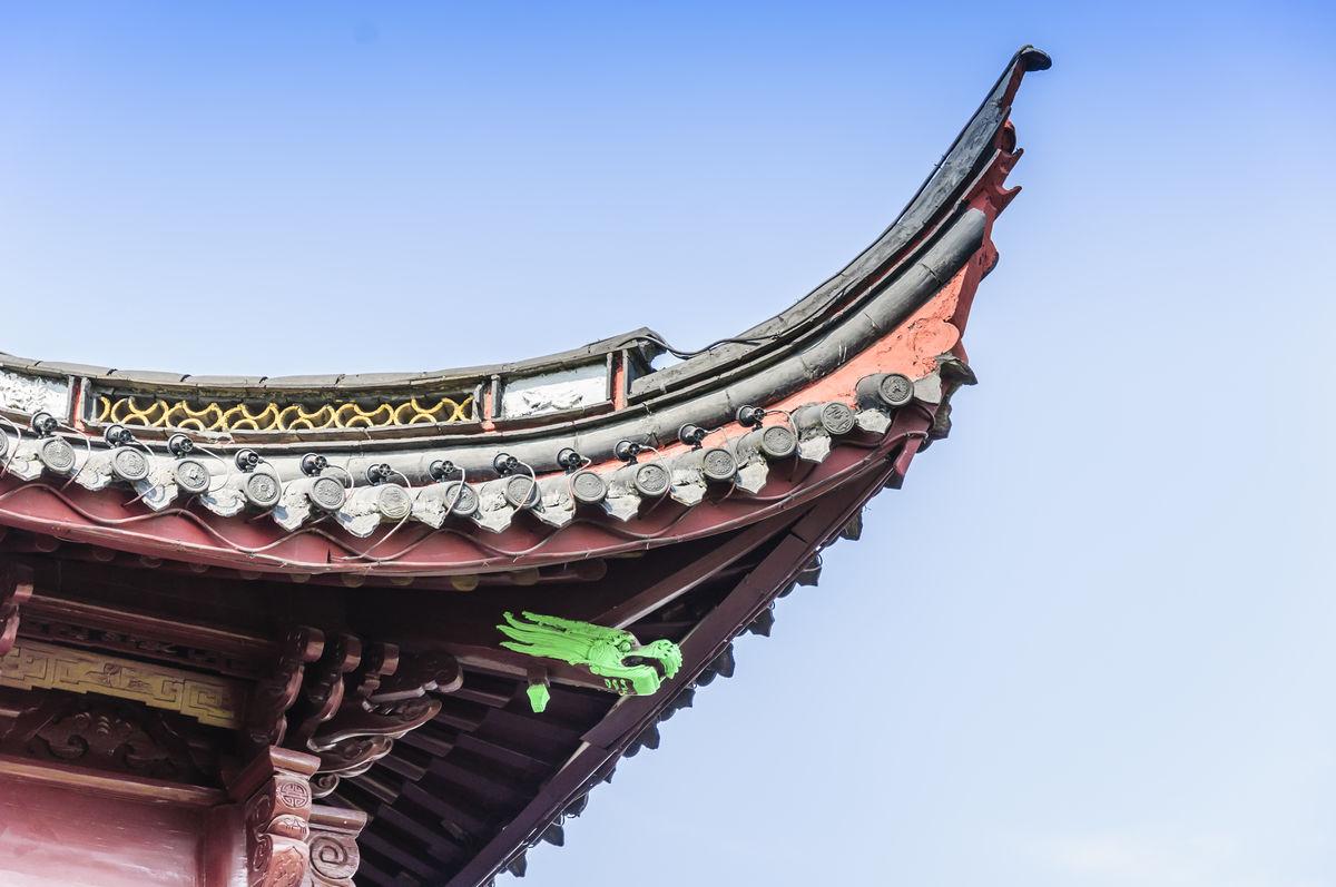 木结构,彩绘鎏金,古建筑结构,灰瓦,瓦片,挑檐,飞檐,中式,屋檐,屋脊图片