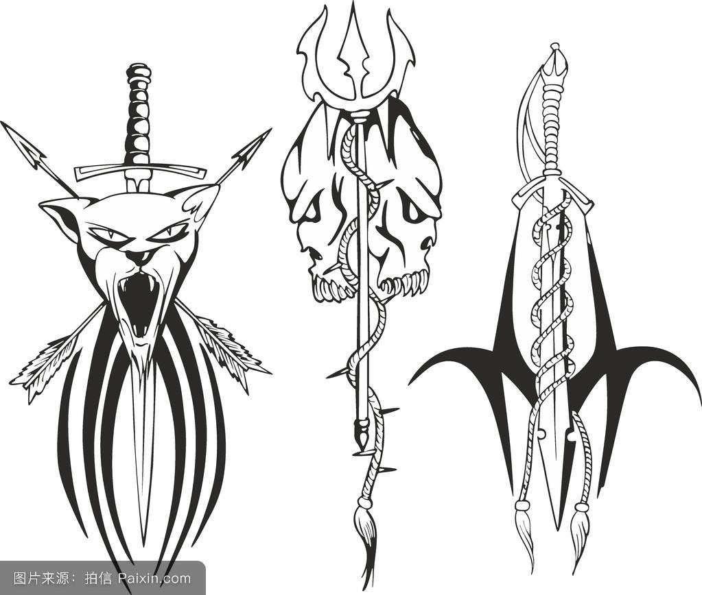 用匕首,剑和三叉戟绘制奇幻纹身素描图片