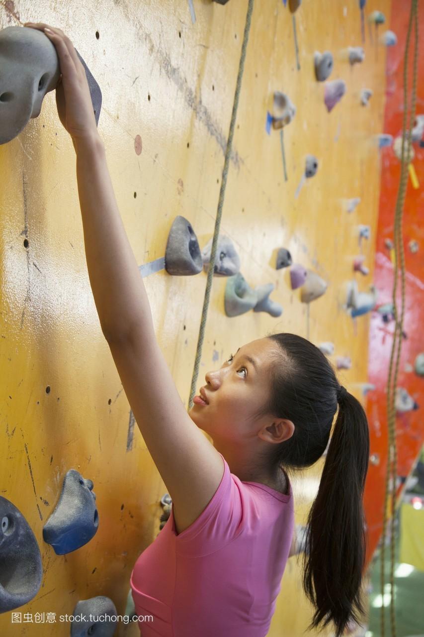 女人射粹b�9�yf_东方,登山,马尾辫,有趣,苛求,决心,抓,登山家,稚子,射球,年青女人