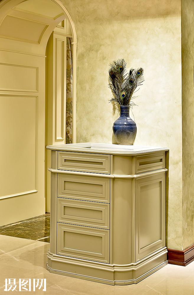 现代简约简欧式家装家居家具厨房客厅柜子花瓶走廊图片