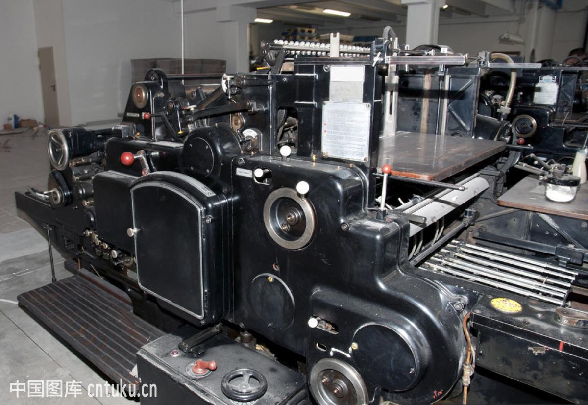 机械�9b�9�^�� _包装,材料,仓库,打印机,动作,制造业,工业机械,机械工人,结尾,金属