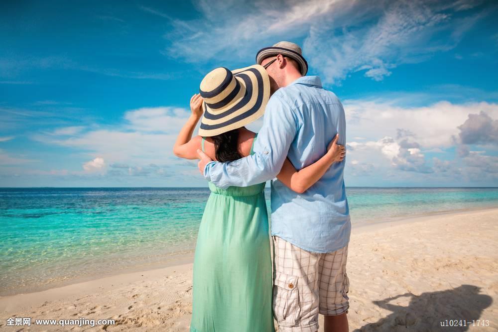 海滩,蜜月,爱情,关系,年轻,喜爱,背影,旅行,生活,假日,户外,阳光,两图片