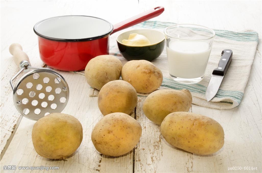 人造奶油的成分_生食,人造奶油,土豆,黄油,玻璃,圣餐杯,大玻璃杯,杯子,工具,木头,成分