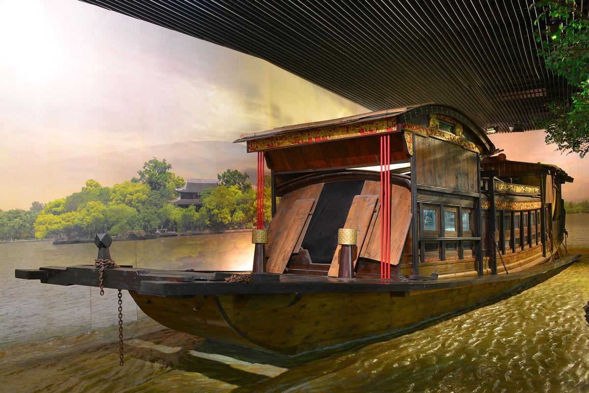 红船,南湖,嘉兴,木船,革命之船,浙江嘉兴,革命之路,革命胜地,南湖红图片