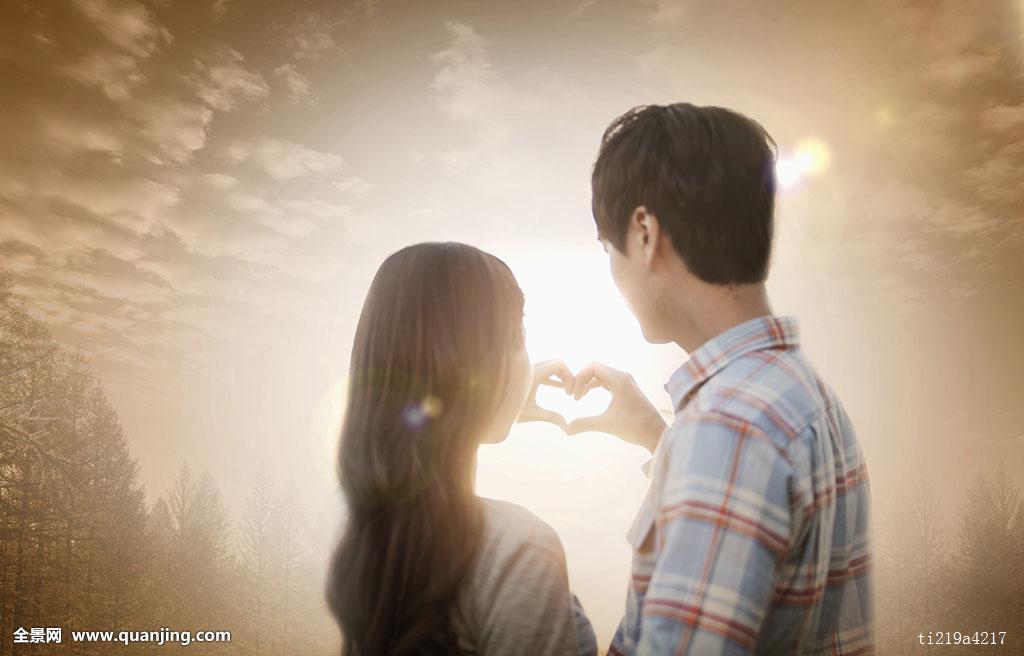 背影,头像,年轻,浪漫,情侣,制作,心形,手指,一起图片