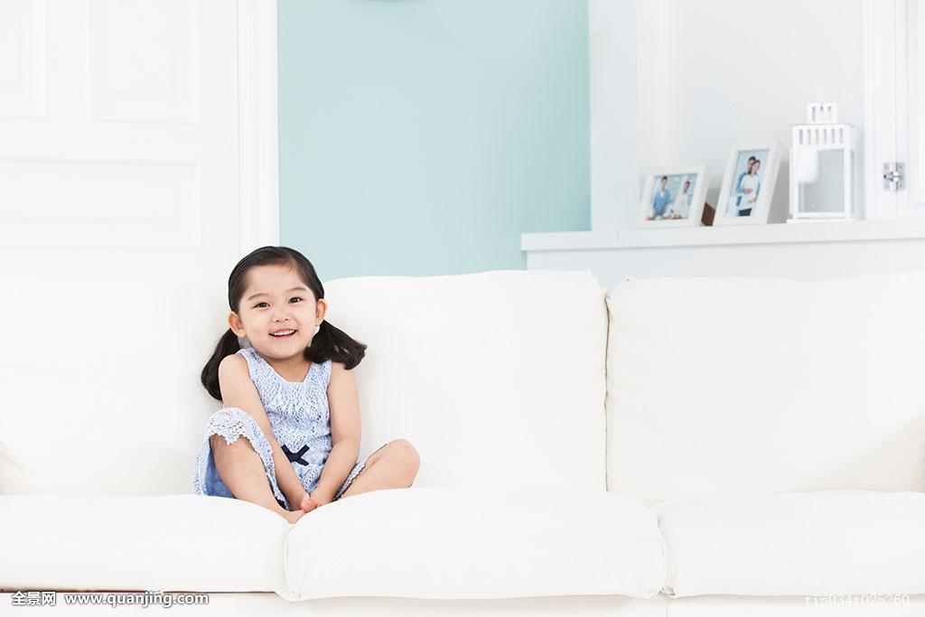 孙茺#.i[NZ�K�nY_孙,坐,沙发