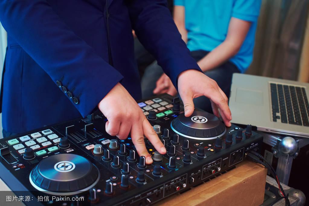 搅拌机,dj,专业的,赛马,声音,聚会,玩,音乐,混合,清楚的,娱乐,乙烯图片
