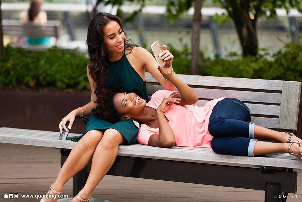 美国少妇作爱视频_少妇,美女,女人,女士,情感,深情,温暖,黑人,种族,加勒比黑人,美国黑人