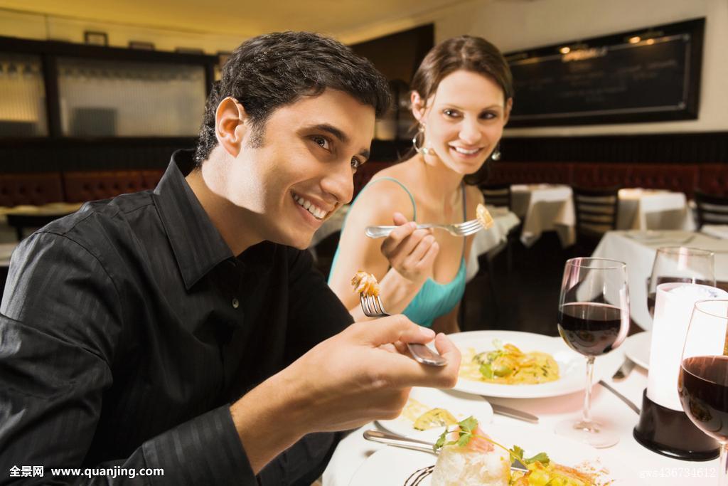 吃饭,食物,食材,营养,叉子,喜悦,兴奋,愉悦,满意,优雅,拿着,欧洲,美国图片