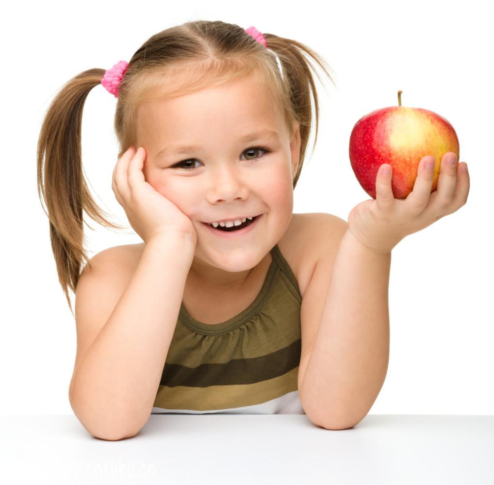 红苹果小女孩图片