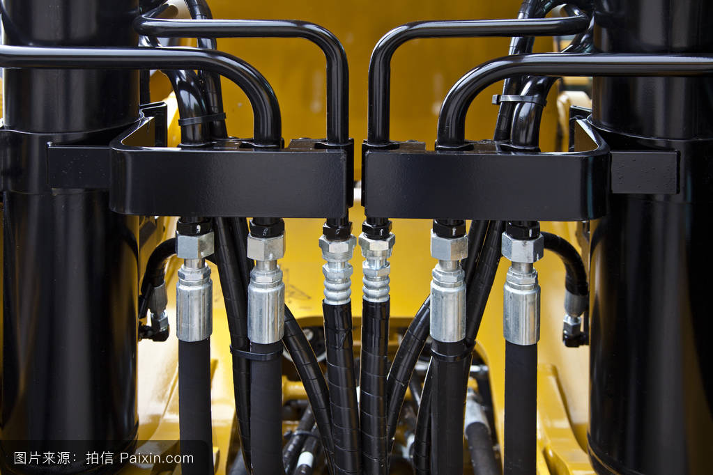 工程机械液压管路.图片