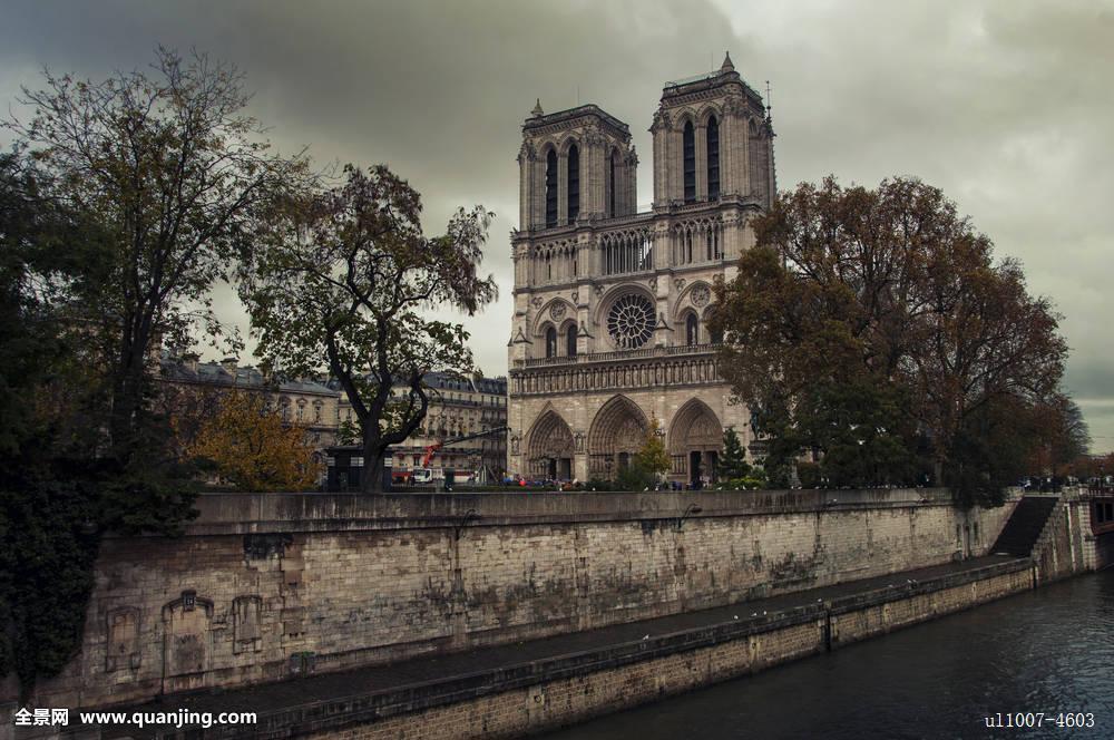 大教堂,天空,水,树,城市,旅游,古老,云,塔,河,欧洲,户外,教堂,中世纪图片