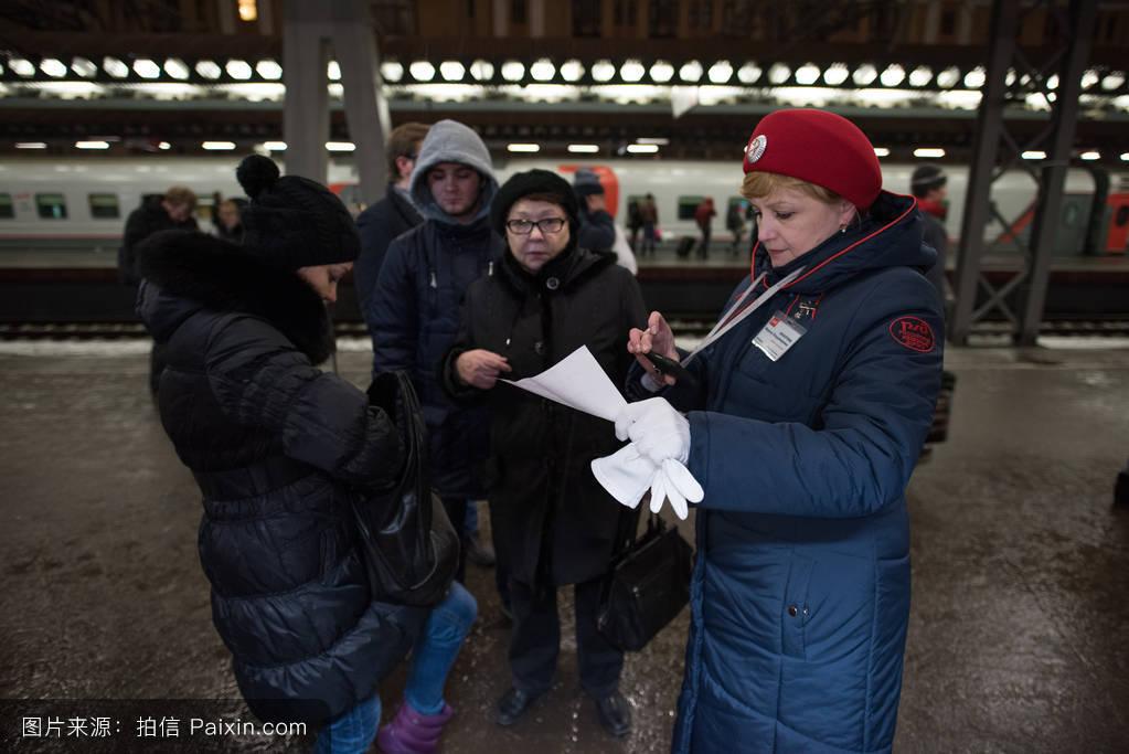 站升高女人现代的门票线控制中心航行rgd火车站到达外部