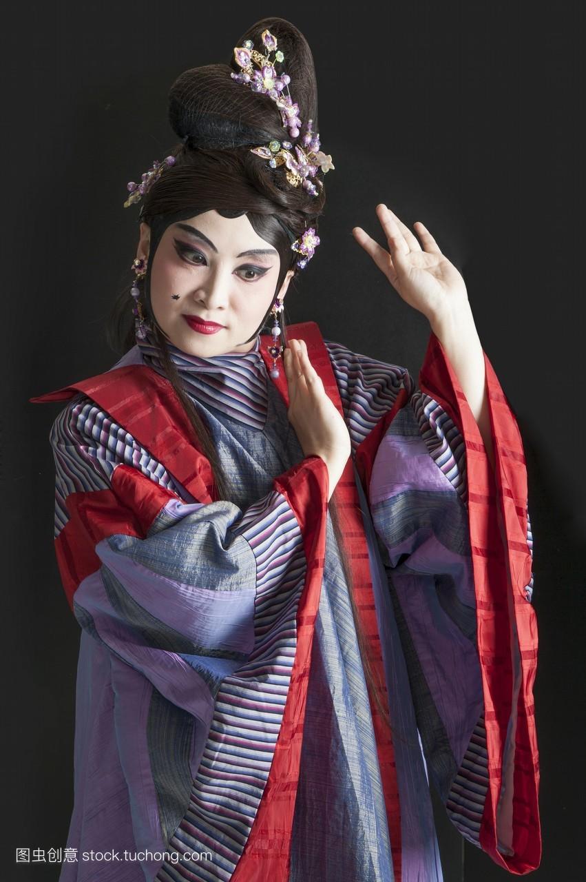 假发,头饰,只有女人,只有一个中年女人,舞台服,只有中年女人,古装图片
