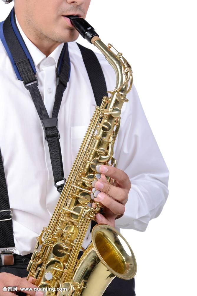 萨克斯管演奏者图片