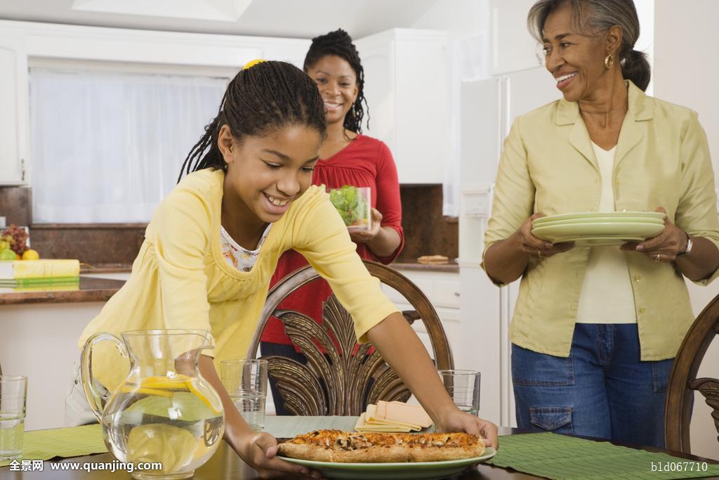 非洲,家庭,吃饭,餐饭,厨房图片