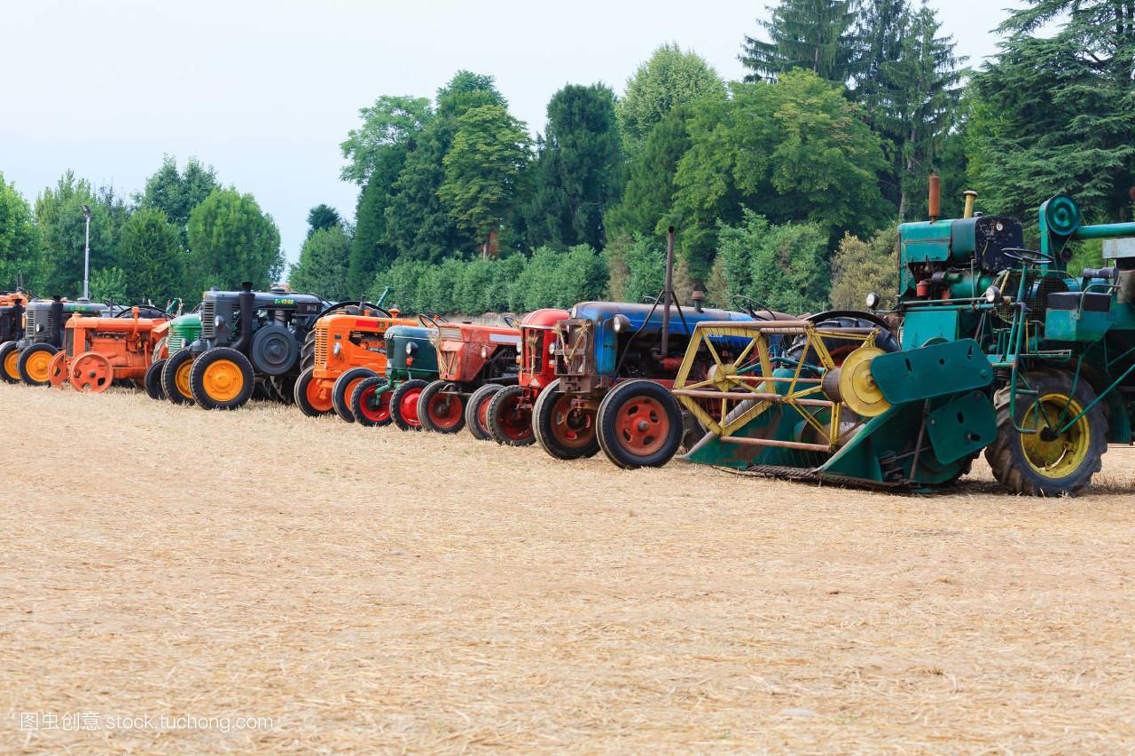 交通工具,轮子,驾驶,马达,农业,农活,线条,钢铁,技工,生锈,拖拉机图片
