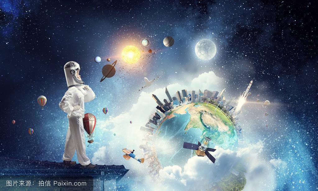 她梦想探索太空.混合媒体图片