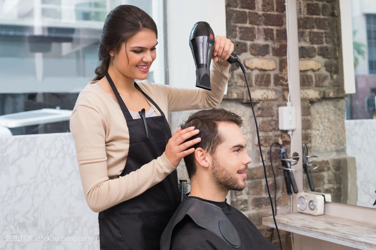 室内,客户,白种人,男人,理发师,职业,年青人,设计师,头发,可爱,让人图片