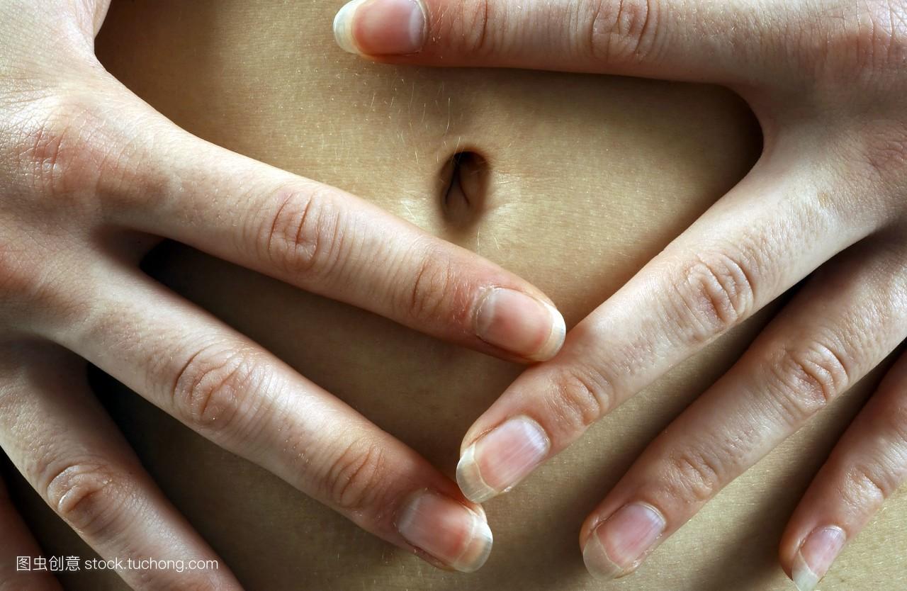 肚脐�yf�y�-yolyf�x�_美丽,科技医疗,孕妇,女人,健康,白色,身体,肚脐,肚子,指甲