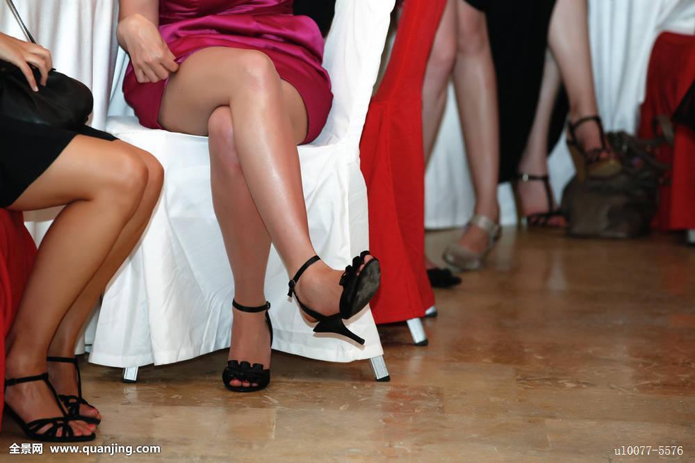 亚洲唯美丝袜_性感,美女,时尚,连衣裙,魅力,迷人,模特,城市,女人,丝袜,紧身裤,漂亮