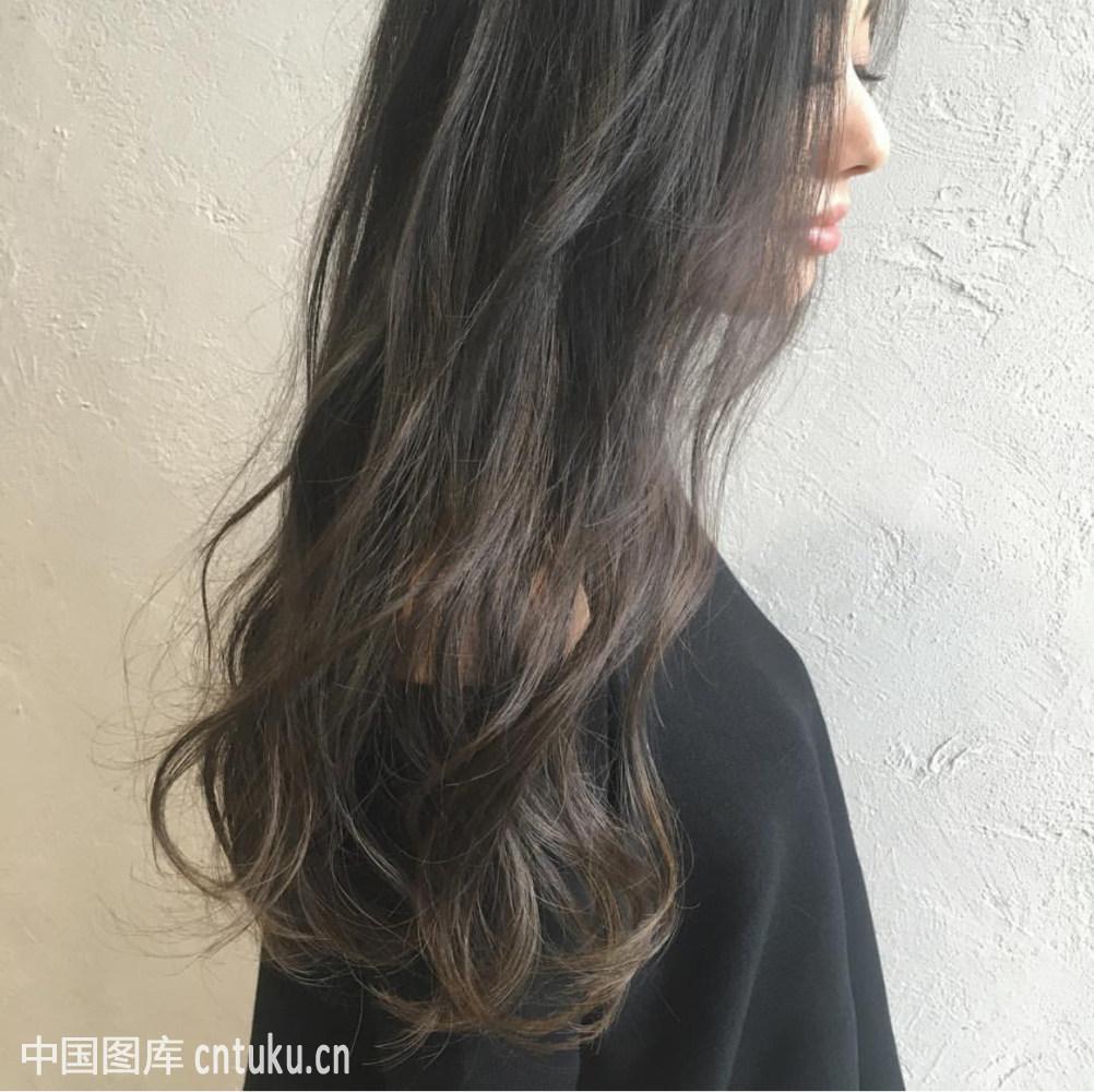 中长发烫发发型图片