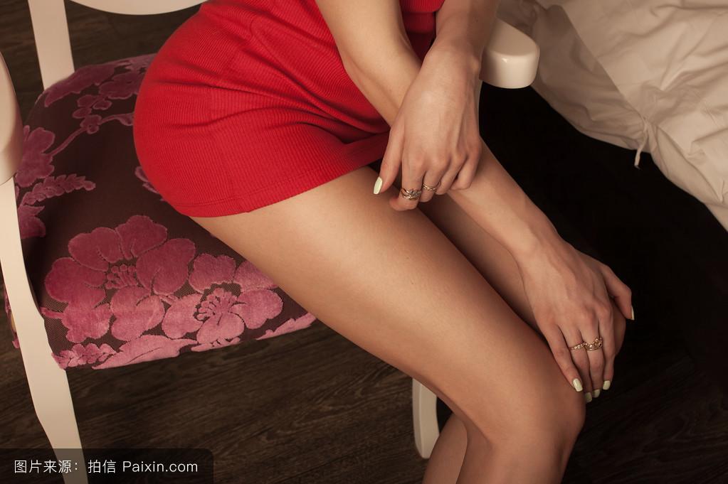 亚洲情色视频桃花淫荡_腿长的女人