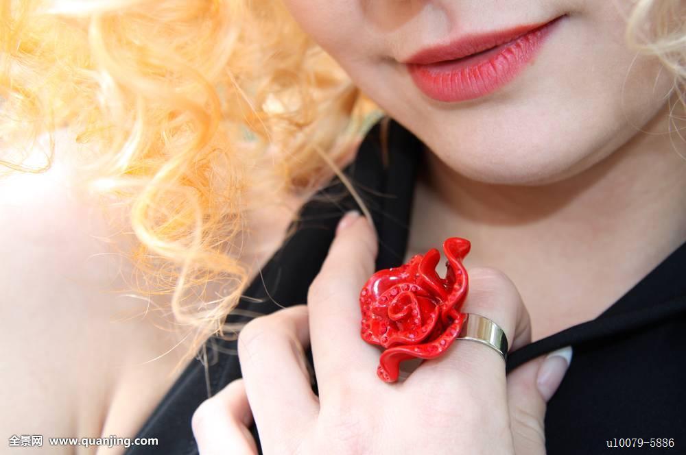 情色射妇_欲望,服装,优雅,情色,表情,调情,女孩,闪光,金色,毛发,发型,健康,女士