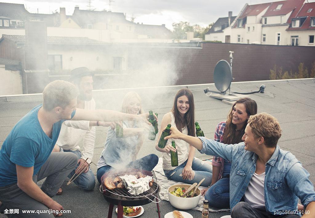 有趣,德国人,德国,好心情,群体,喜悦,休闲,休闲活动,莴苣,户外,聚会图片