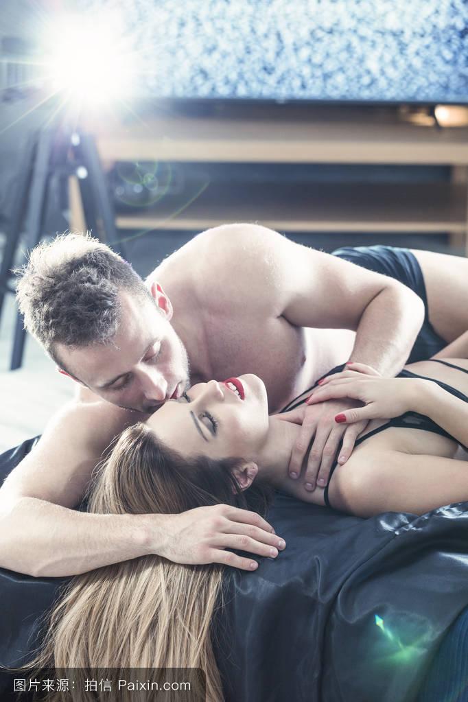 中国淫色成人网站视频_诱惑,亲密的,网络性爱,激情,videosex,比基尼,事件,淫荡,床,卧室,视频