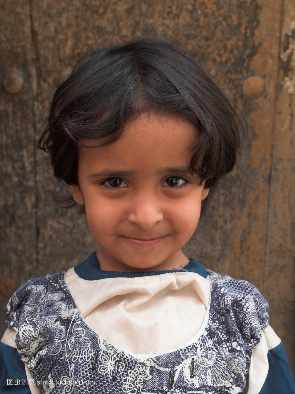 女人,正视图,短发,人,一个人,看镜头,儿童,也门,中东,一个,面部表情图片